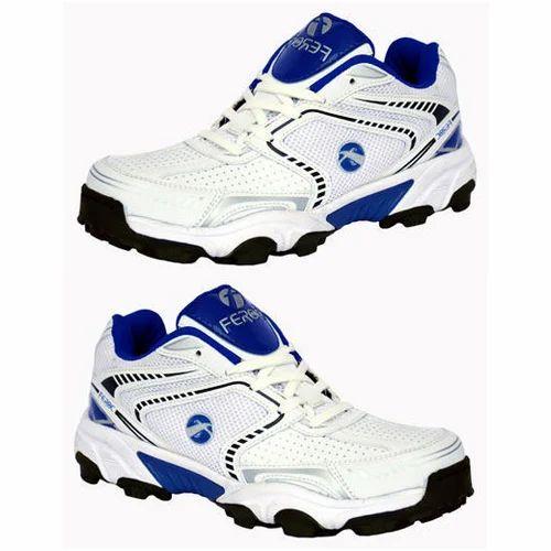 Feroc Men s cricket sport shoes, Size