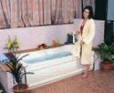 Elegant Jacuzzi Bathtub - 6' x 3' - White