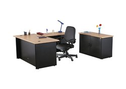Wooden Rectangular Executive Office Desk, Size: 155 cm x 45 cm x 70.5 cm