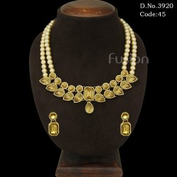 Traditional Glass Stone Necklace Set