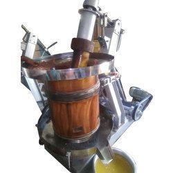 Vaagai Wood Marachekku Oil Machine