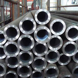 Alloy Steel ASTM A335 P11 / P22 Pipes