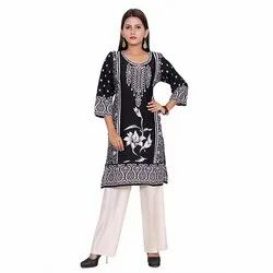 Black and White Ladies Crepe Kurti
