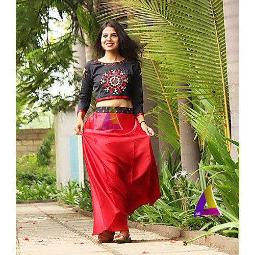 891153913b Ladies Cotton Red & Black Crop Top & Skirt Set, Size: L & XL, Rs 850 ...