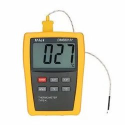 Portable Temperature Indicator With Probe