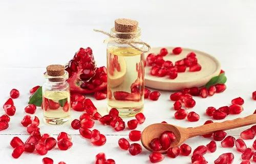 Punica granatum Skin Care Pomegranate Seed Oil, For Cosmetic, Rs 2000 /kg |  ID: 21791412762