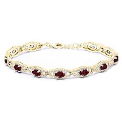 Gold Plated Silver Bracelet In Garnet