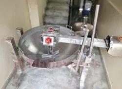 Mahaveers Stainless Steel Cooking wok, Capacity: 60kg, Kadhai Model