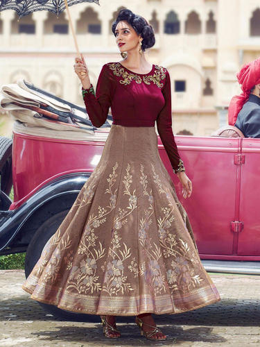 795440e606af Designer Gown With Dupatta at Rs 3500 /piece | Party Gowns | ID ...