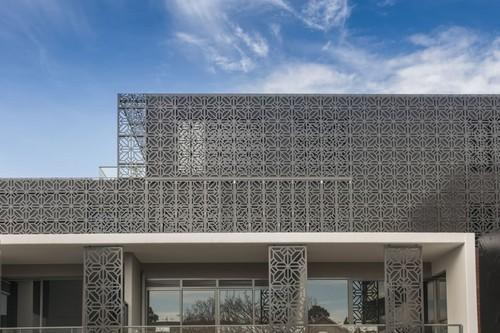 perforated metal screen. Perforated Metal Screen, Usage: Industrial Screen A