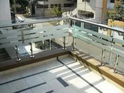 Bar Stairs Hand Rails (Glass SS , Wood, UPVC), for Home, Mounting Type: Floor