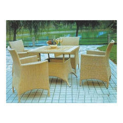 PE Rattan Outdoor Chair Table