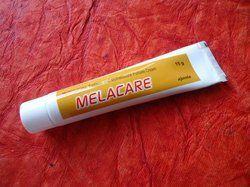 Hydroquinone Tretinoine And Mometasone Furoate Cream