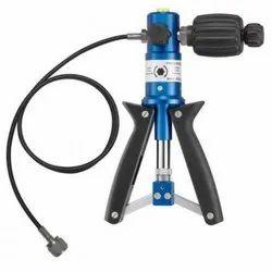 Pressure Gauges Transmitters Calibration Service