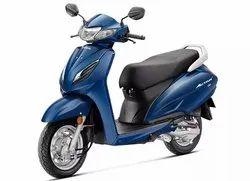 Glitter Blue Metallic Honda Activa, Fuel Tank Capacity: 5.3 L