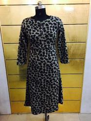 Round Neck Ladies Woolen Kurti