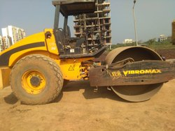 Machine Soil Compactor Rental Services, Application/Usage: Commercial