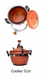 Red Clay Cooker for Home, Capacity: 3 L
