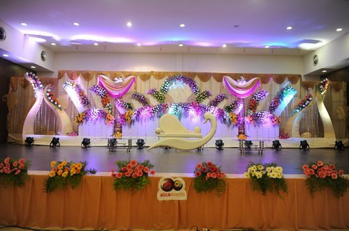 Wedding Flower Stage Decoration Service
