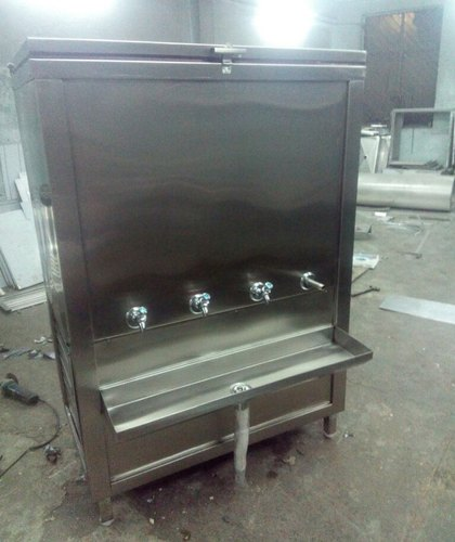 Stainless Steel 28x24x22 Water Cooled Chillers, Capacity: 200 Ltr
