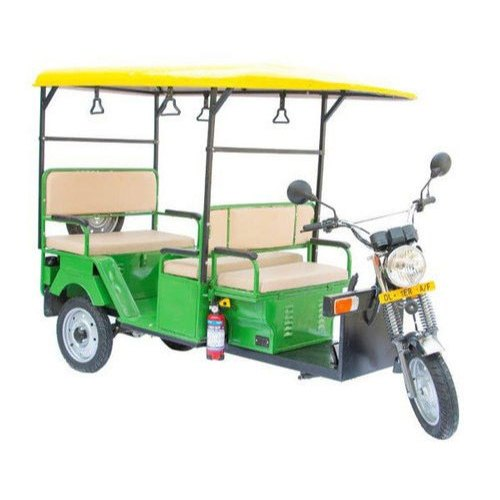 Yuva Three Wheeler E Rickshaw
