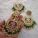 Women Wedding Modern Kundan Earrings & Mangtika Set