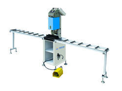 Automatic Screw Fastening Machine
