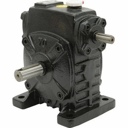 Horizontal Shaft Worm Speed Reducer Gear Box, वर्म गियर स्पीड रिड्यूसर -  Gearomatic Solutions, Panchkula | ID: 20161507973