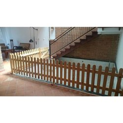 Pine Wood Picket Fence