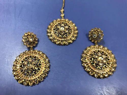 d4e5b43c2e8 Mehandi Polish Golden Earring Tikka Set at Rs 1100  pair