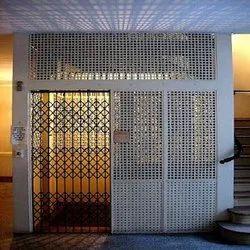 Opera MS Goods Handling Elevator, Capacity: 4-5 ton