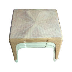 Square Plastic Table, Height: 2 Feet