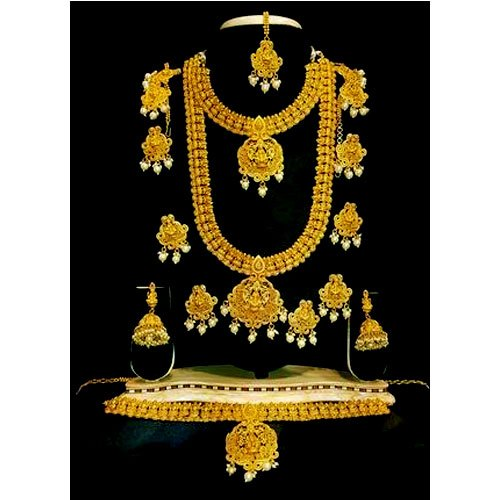 Gold Plated Necklace Set, Packaging Type: Box