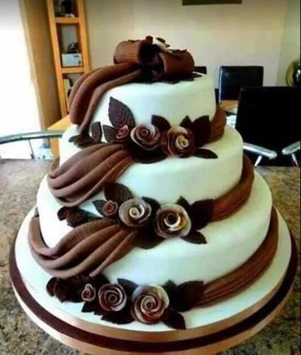Chocolate Vanilla Cake And Baked Toast Bakery Caterer Bismillah
