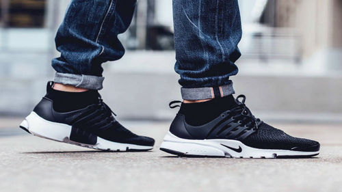 56ea9be717c10 Black White Nike Air Presto Flyknit Running Shoes For Men  S