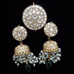 Round Stone Work Pendant And Earrings Set