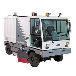 Tennant Sentinel High Performance Outdoor Rider Sweeper