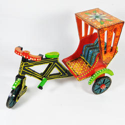 Multicolor Decor Wooden Handpainted Rickshaw, For Decoration, Size: 9 Inch