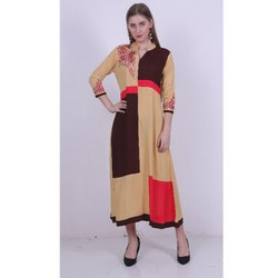 Ladies Designer Casual Rayon Kurti, Size: S-L