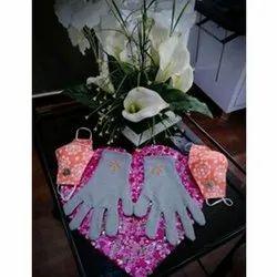 采购产品白色针织手工棉手手套,用于运输处理