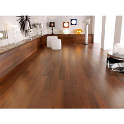 Commercial Building Laminate Flooring Laminated Wooden Flooring Services, for Indoor