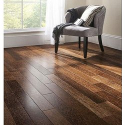 Brown Plain Pergo Wooden Flooring, Thickness: 8 Mm