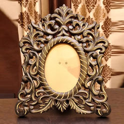 Oval YK Handicrafts Wooden Photo Frame, Packaging Type: Box, Size: 18x13 cm