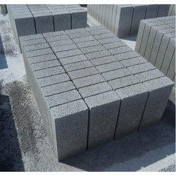 Rectangular Cement And Concrete Wall Brick