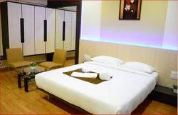 Deluxe Suite Room Service