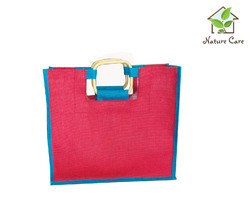 Colored Jute Bag With Wooden Handle