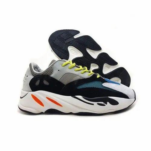 yeezy shoe size