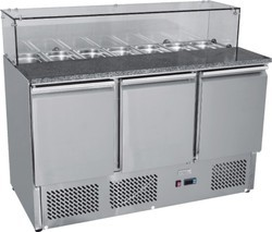 Table Top Refrigerator With G.N.Pans
