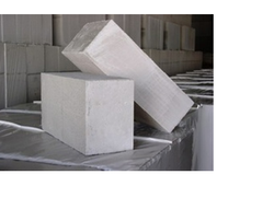 Rough Autoclaved Aerated Concrete AAC Bricks 600 Mm x 200mm X200 Mm, For side and partition walls, Compressive Strength: 4.8