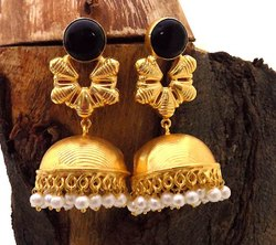 GOLD PLATED UNIQUE FLOWER DESIGN EARRING